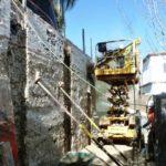2PE Anclajes en un muro en calle estrecha